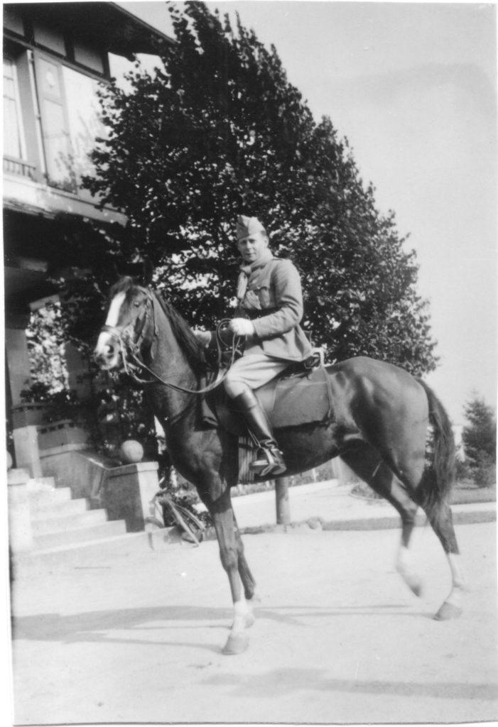 Cette image a un attribut alt vide; le nom du fichier est Warnier-Lutin-.1939.Chalons-701x1024.jpeg